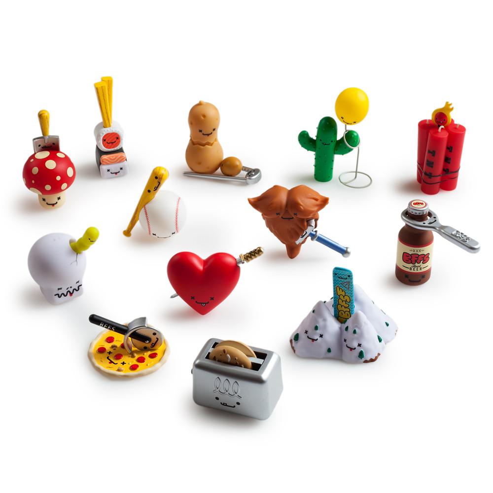Toys For Friends : Kidrobot travis cain bffs series love hurts