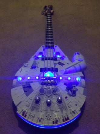 falcon_guitar_l.jpg