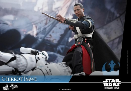 Hot-Toys---Rogue-One-A-Star-Wars-Story---Chirrut-Imwe-Collectible-Figure_PR13.jpg