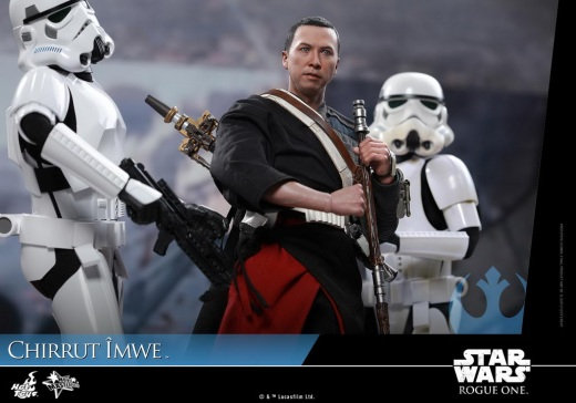 Hot-Toys---Rogue-One-A-Star-Wars-Story---Chirrut-Imwe-Collectible-Figure_PR15.jpg