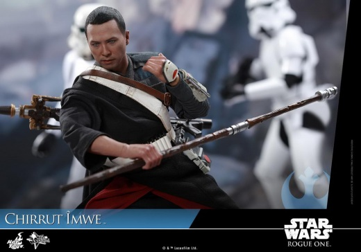 Hot-Toys---Rogue-One-A-Star-Wars-Story---Chirrut-Imwe-Collectible-Figure_PR18.jpg