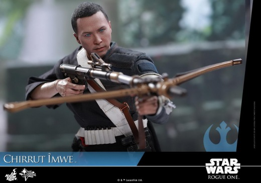Hot-Toys---Rogue-One-A-Star-Wars-Story---Chirrut-Imwe-Collectible-Figure_PR19.jpg