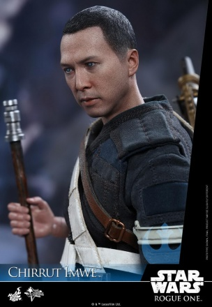 Hot-Toys---Rogue-One-A-Star-Wars-Story---Chirrut-Imwe-Collectible-Figure_PR21.jpg