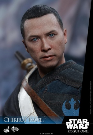 Hot-Toys---Rogue-One-A-Star-Wars-Story---Chirrut-Imwe-Collectible-Figure_PR22.jpg