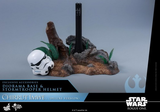 Hot-Toys---Rogue-One-A-Star-Wars-Story---Chirrut-Imwe-Collectible-Figure_PR3(Deluxe-Version).jpg