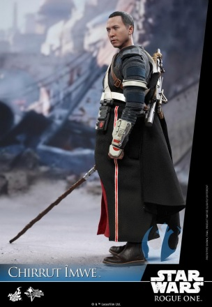 Hot-Toys---Rogue-One-A-Star-Wars-Story---Chirrut-Imwe-Collectible-Figure_PR7.jpg