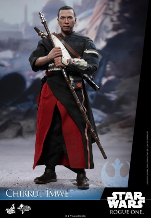 Hot-Toys---Rogue-One-A-Star-Wars-Story---Chirrut-Imwe-Collectible-Figure_PR8.jpg
