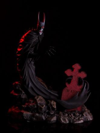 Mondo-Batman-Red-Rain-Statue-full.jpg