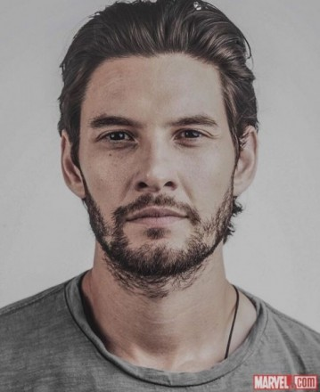netflix-punisher-cast-ben-barnes-billy-russo-489x600.jpg