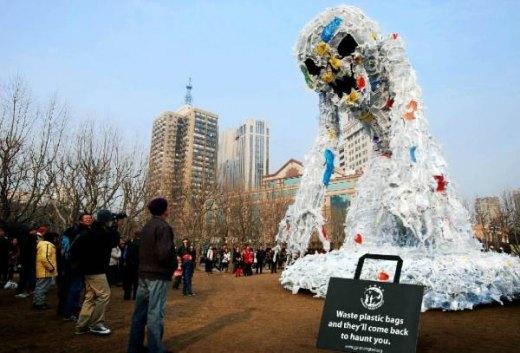 plastic-bags-monster-1.jpg