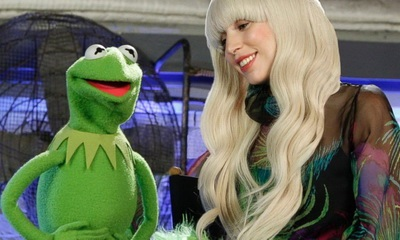 lady gaga muppets holiday special_feat.jpg