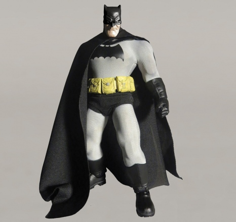 Mezco-6-inch-Dark-Knight-Returns-Batman-Promo-1.jpg