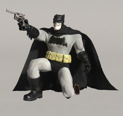 Mezco-6-inch-Dark-Knight-Returns-Batman-Promo.jpg