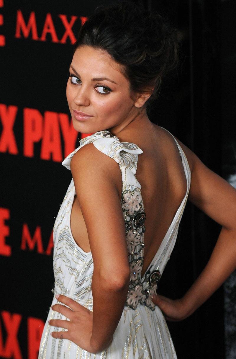 Mila Kunis A Wow Geek Pigs Are Starting To Fly Ybmw