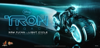 TRON - Legacy - Sam Flynn Collectible Figure with Light Cycle teaser.jpg