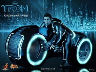HT_Tron - Legacy - Sam Flynn Collectible Figure with Light Cycle_PR7.jpg