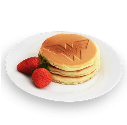 wonderwomanpancakes1.jpeg