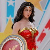 Hot Toys Justice League - 1/6th scale Wonder Woman (Comic Concept Version) Collectible Figure