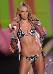 victorias-secret-2009-runway-pictures-1.jpg