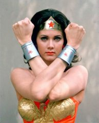Lynda-Carter---Wonder-Woman-737849(2).jpg