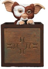 NECA-Gremlins-Gizmo-In-Box.jpg
