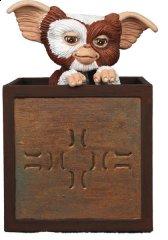 NECA-Gremlins-Gizmo-In-Box.jpg