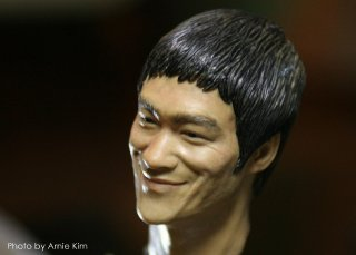 Bruce Lee head sculpt_Photo by Arnie Kim_4.jpg