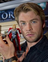 toy-fair-chris-evans-hemsworth-2.jpg