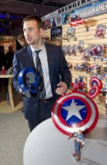 toy-fair-chris-evans-hemsworth-3.jpg
