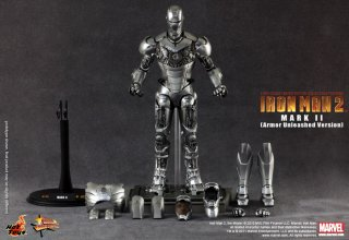 Hot Toys_Iron Man 2_Mark II (Armor Unleashed Version)_15.jpg