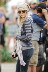 amazing_spider-man_andrew_garfield_emma_stone_set_photos_11.jpg