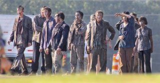 the-walking-dead-season-2-behind-the-scenes-4.jpg
