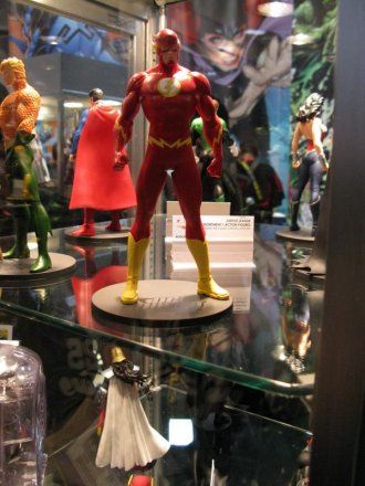 sdcc2011_dcdirect-040.jpg