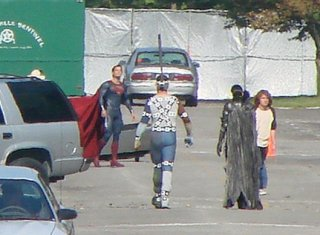 superman-man-of-steel-henry-cavill-set-photo-01.jpg