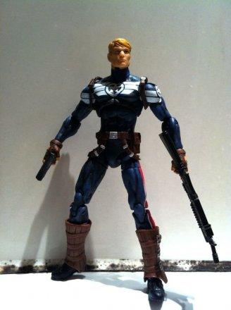 Marvel-Universe-Commander-Steve-Rogers-01.jpg