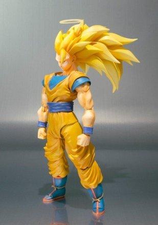 SH-Figuarts-Super-Saiyan-3-Goku-2.jpg
