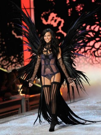 victoria_secret_superheroes_019.jpg