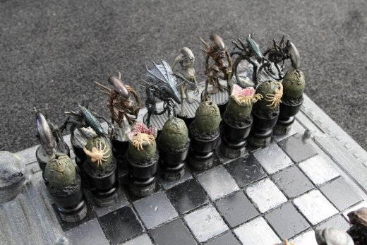 avp_chess_set_by_joker_laugh-d4e75vt.jpg