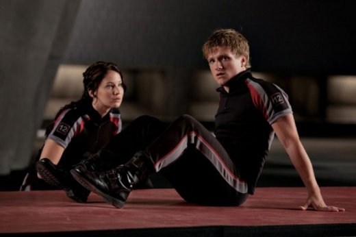 jennifer-lawrence-josh-hutcherson-the-hunger-games-image-600x400.jpg