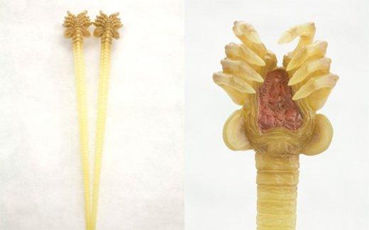 alien-chopsticks-1.jpg