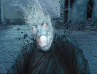 voldemort-death-harry-potter-deathly-hallows-2-concept-art-image-4-600x455.jpg