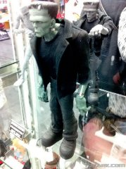 Toy-Fair-2012-Mezco-Horror-0007_1329071117.jpg