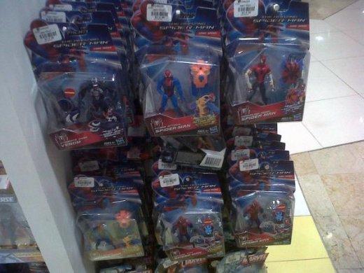 amazing-spider-man-toys-1.jpg