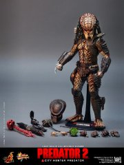 Hot Toys - Predator 2 - City Hunter Predator Limited Edition Collectible Figurine_PR21.jpg
