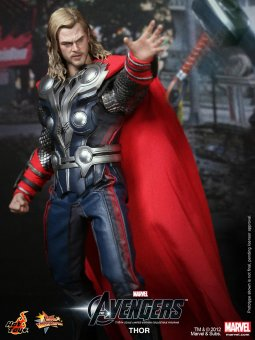 Hot Toys - The Avengers  - Thor Limited Edition Collectible Figurine_PR6.jpg