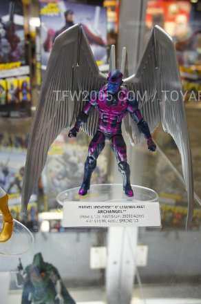 SDCC-2012-Marvel-Universe-Legends-009.jpg
