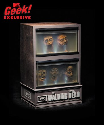 walkingdead_season3_dvd_mtvgeek11.jpg