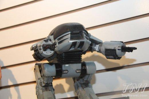 neca-robocop-ed-209-2.jpg