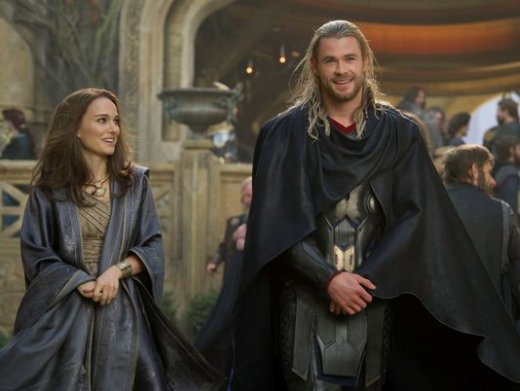 thor-the-dark-world-chris-hemsworth-natalie-portman.jpg