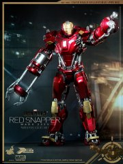 Hot Toys - Iron Man 3 - Power Pose Red Snapper Collectible Figurine_PR1.jpg